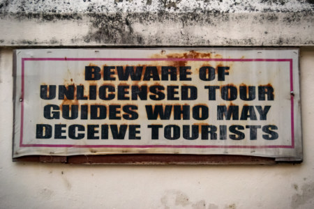 Beware of Unlicensed Tour Guides