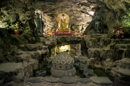 Inside the Cave Beneath Jixian Temple 吉仙宮