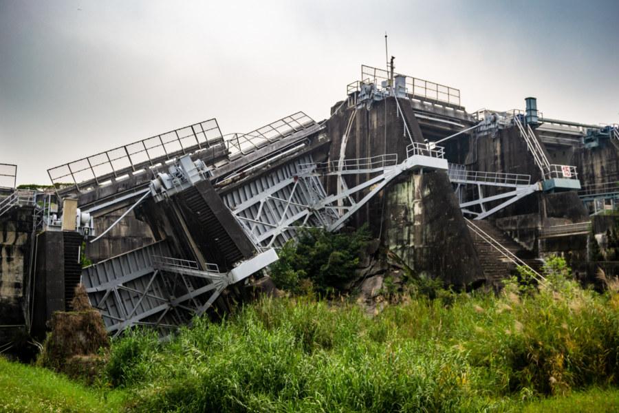 Earthquake Damage at Shigang Dam 石岡壩 2