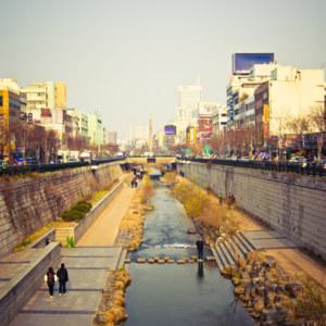 Cheonggyecheon stream at sunset