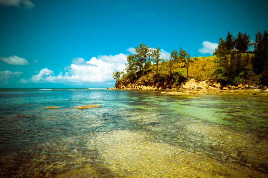Clear waters up to the tip of Borneo