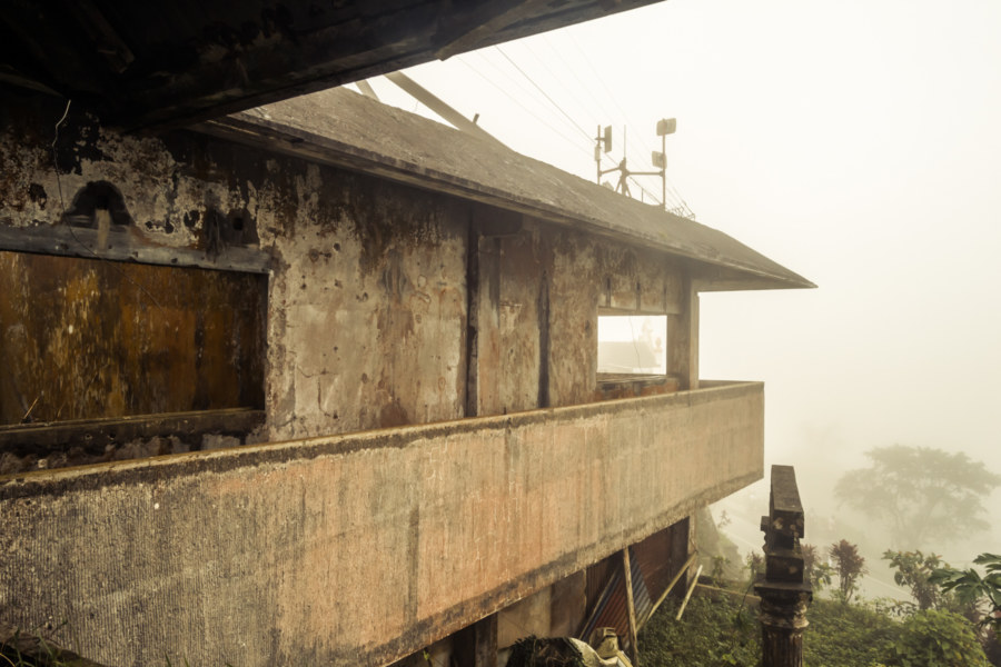 Abandoned in the misty mountains of Tagaytay