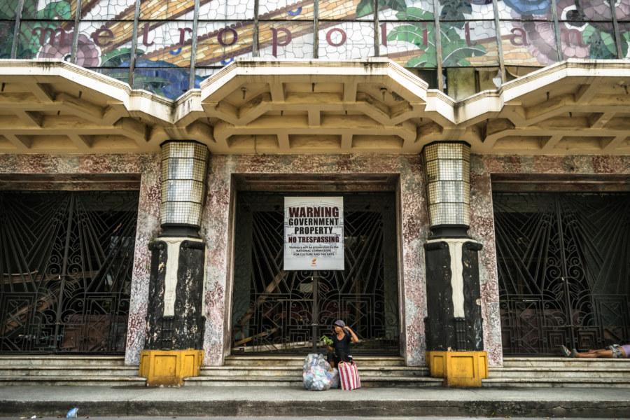 Front entrance to the Manila Metropolitan Theater