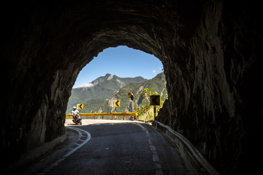 Slipping through a tunnel in Taroko Gorge