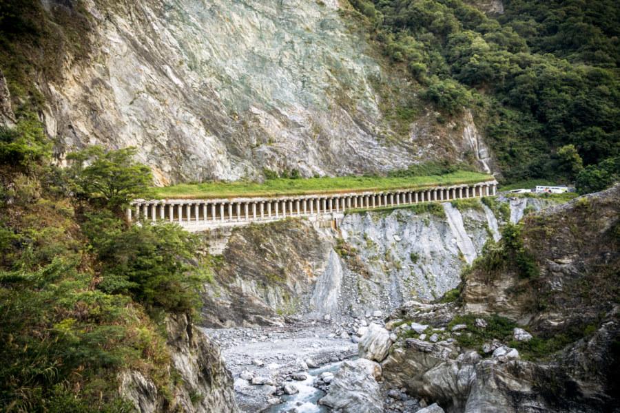 The long tunnel hiding the way into Baiyang