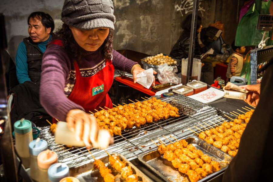 Grilled snacks at Jingcheng Night Market