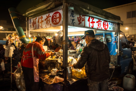 Oyster omelette truck at Jingcheng Night Market