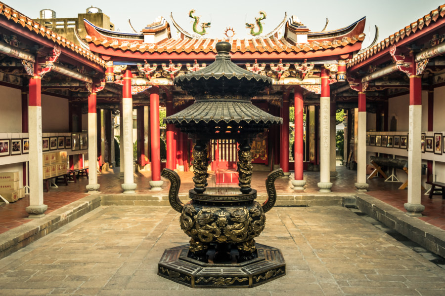 Inside the courtyard at Yuanqingguan, Changhua City