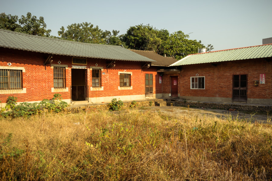 An abandoned courtyard home in Dacun township