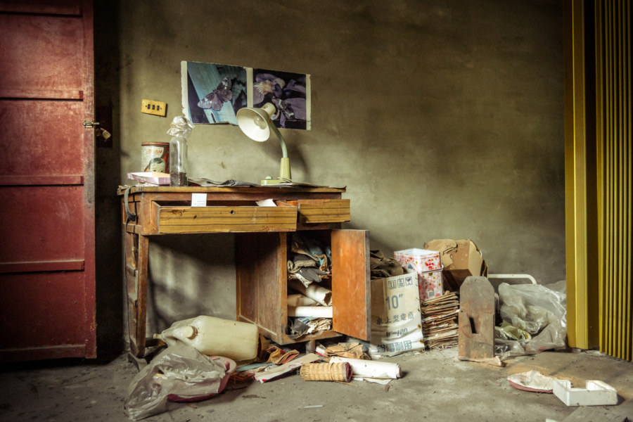 Inside an abandoned home in Dacun