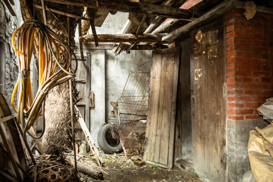 Inside an Ershui Tobacco Barn