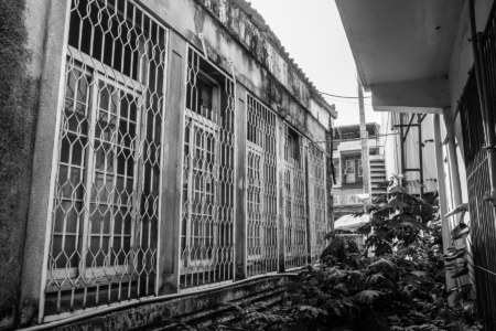 Around the side of Fenyuan Town Hall