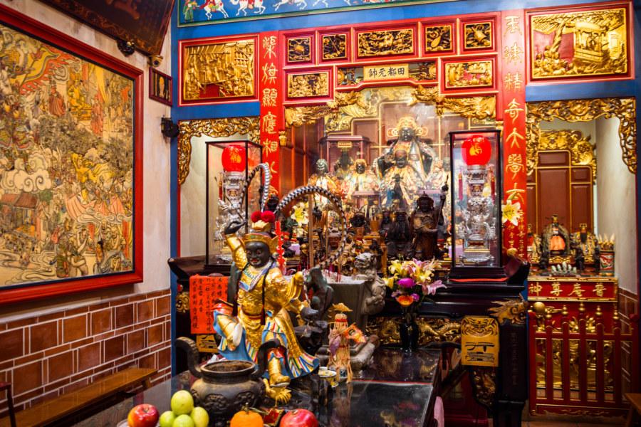 Inside Yuqu Temple, Lukang