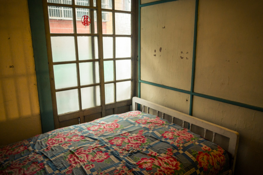 One of the old rooms at the Chenggong Hostel in Xizhou