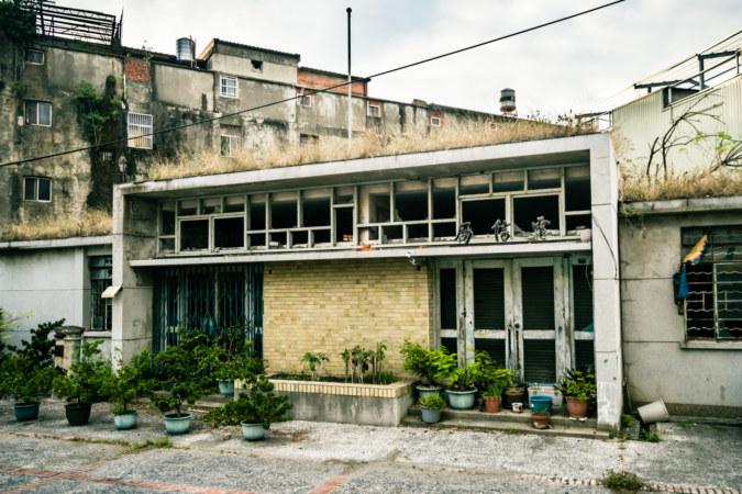 The former Xizhou Telecom Bureau 溪州原電信局