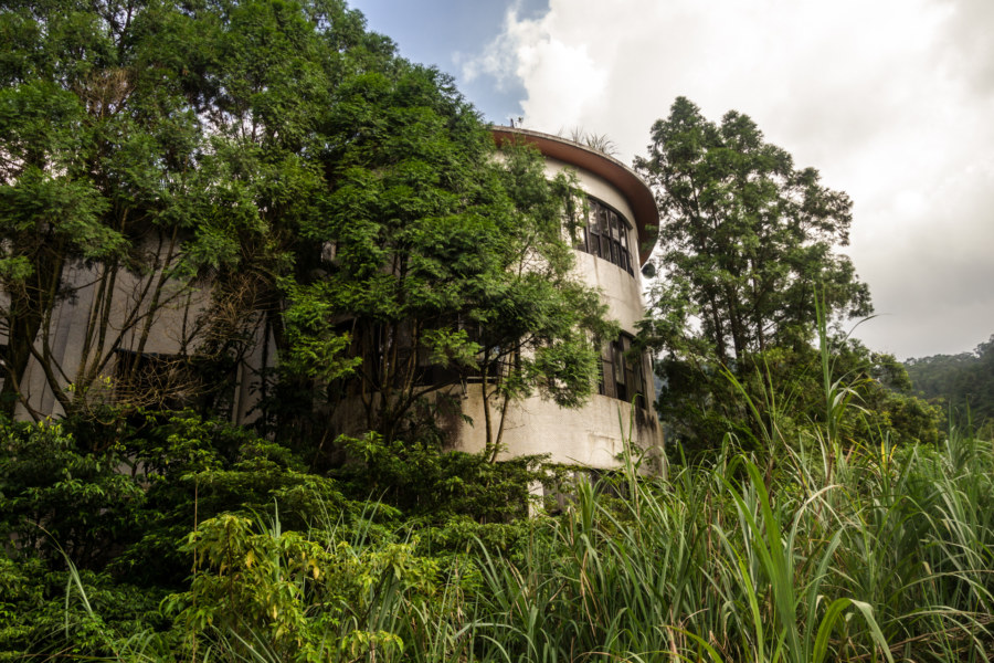 An abandoned hotel in Hsinchu County