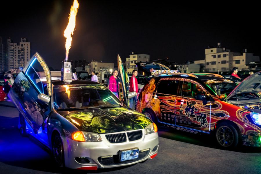 Impromptu Taiwanese auto show at Kaisyuan Night Market
