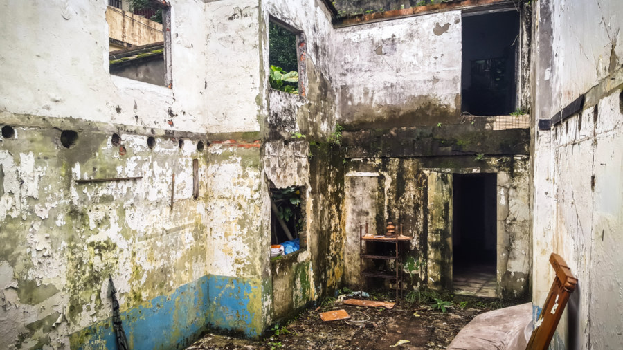 An abandoned home in Ruchuan Village