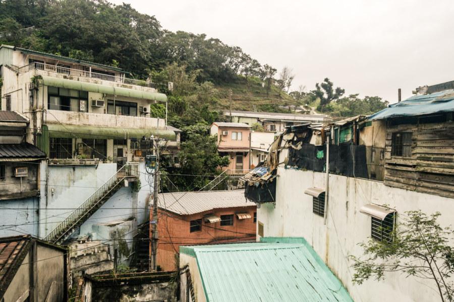 Descending into Ruchuan Village 入船里