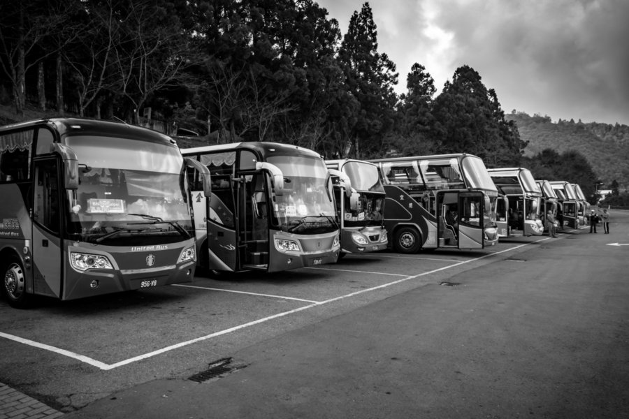 Tour Buses Near Qingjing Farm