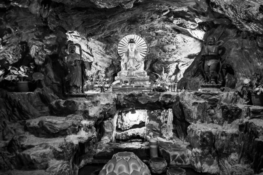 The Cave Beneath Jixian Temple 吉仙宮