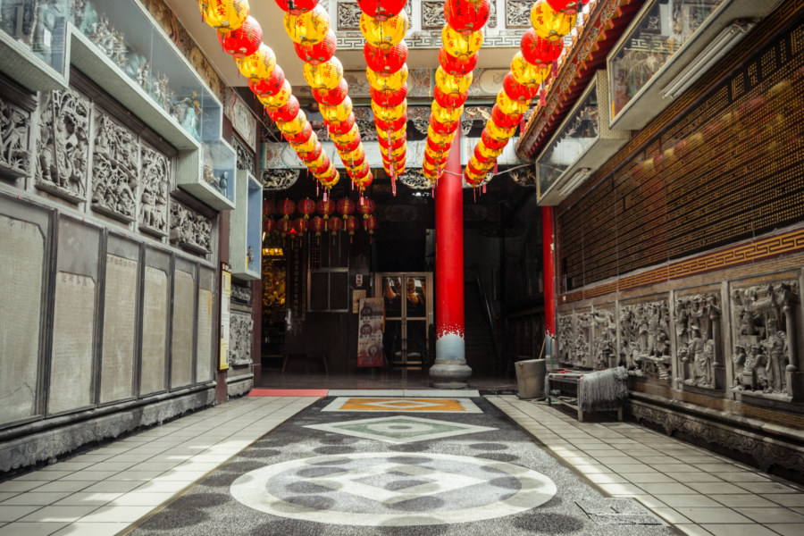 Shadows of lanterns in Cifeng Temple 慈鳳宮