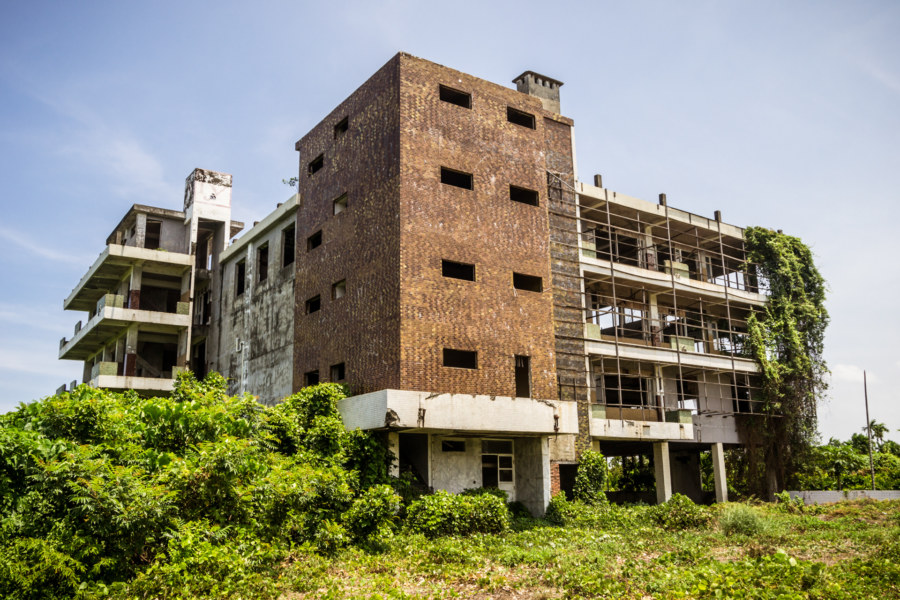 An abandoned factory in Fangliao, Pingtung