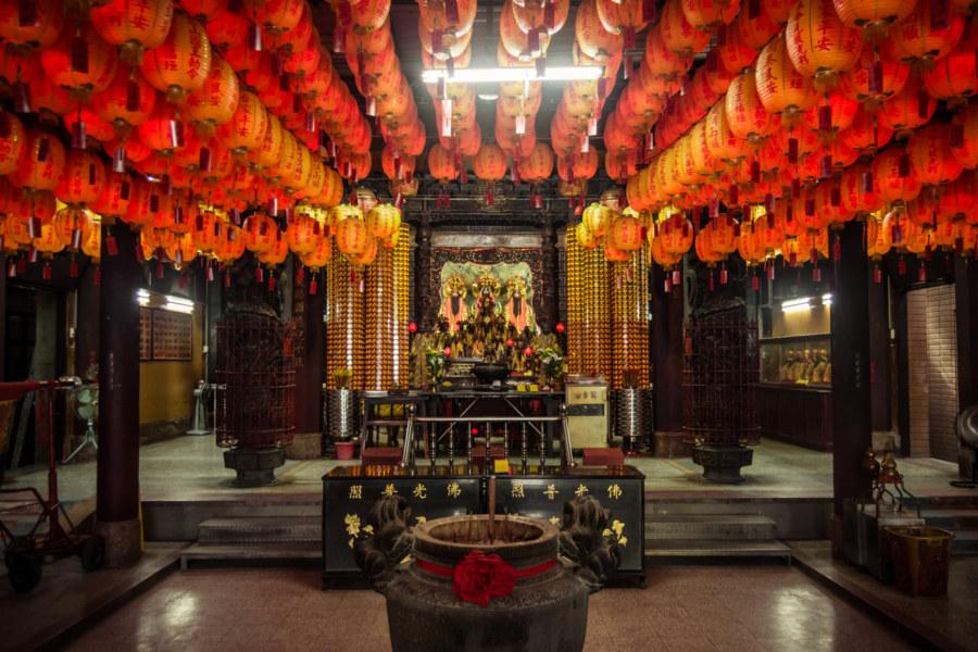Inside Three Mountain Kings Temple 三山國王廟