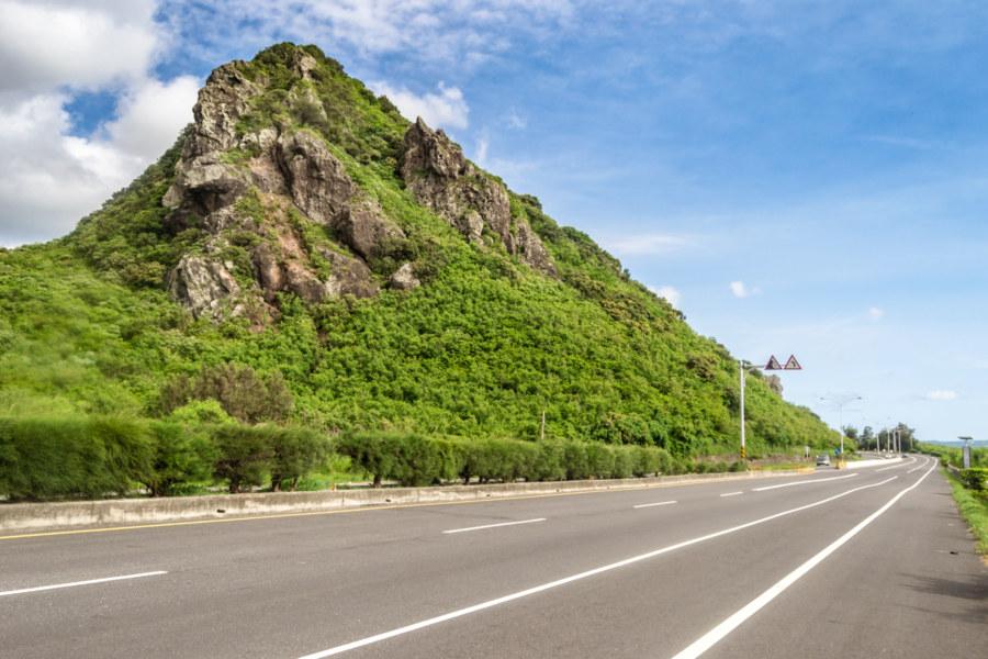 The rocky outcrop of Xiaojianshan 小尖山