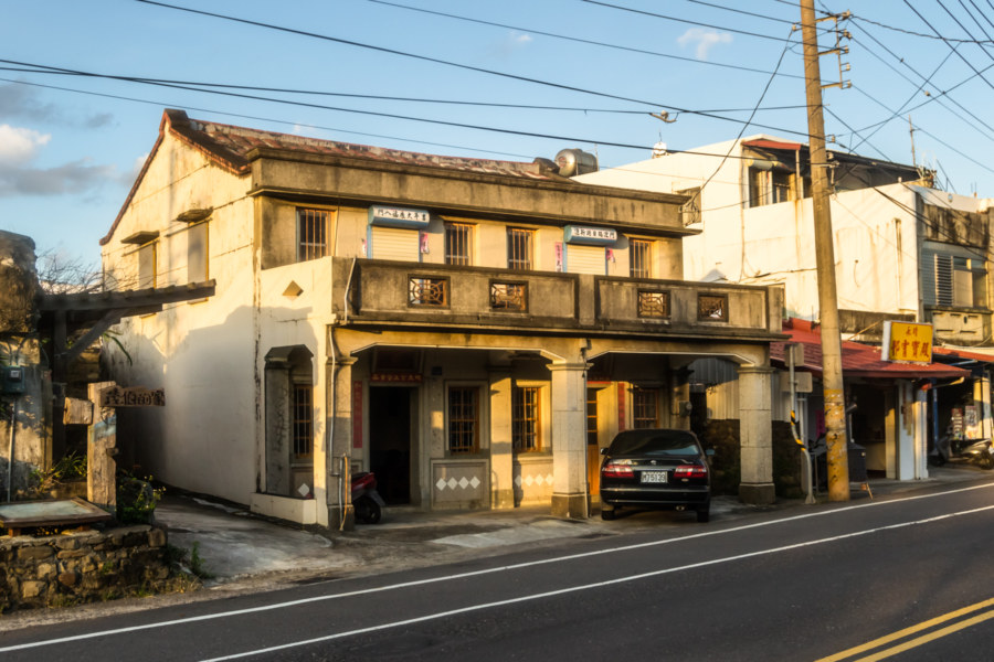 An old home in Yongjing Village, Manzhou