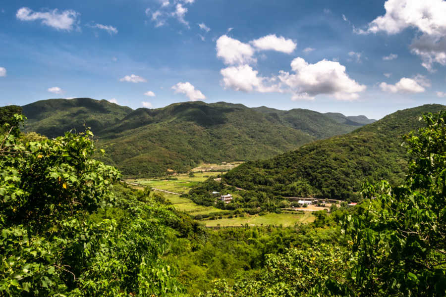 Rising into the hills of Pingtung again