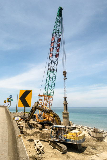 Expanding the highway in southern Taitung