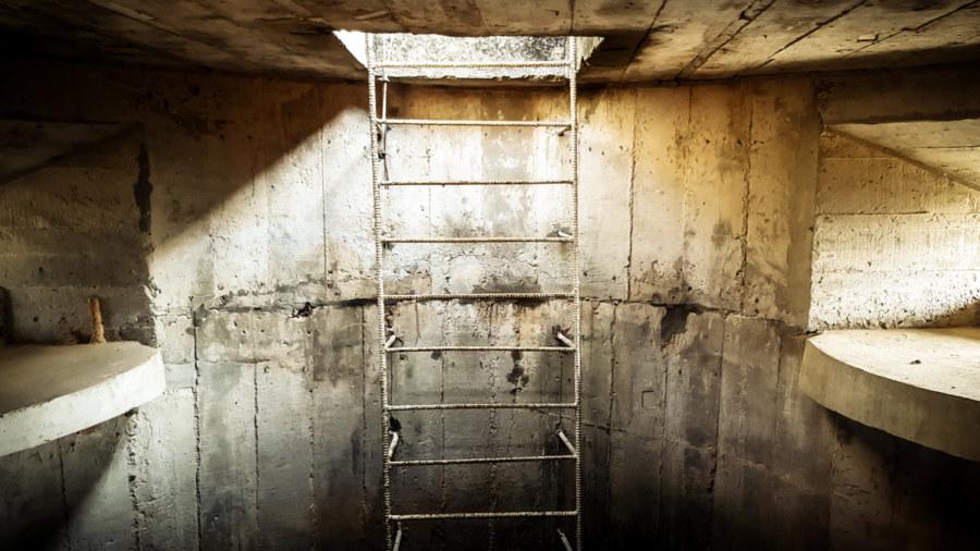 Inside an abandoned gun tower on the Dadu Plateau