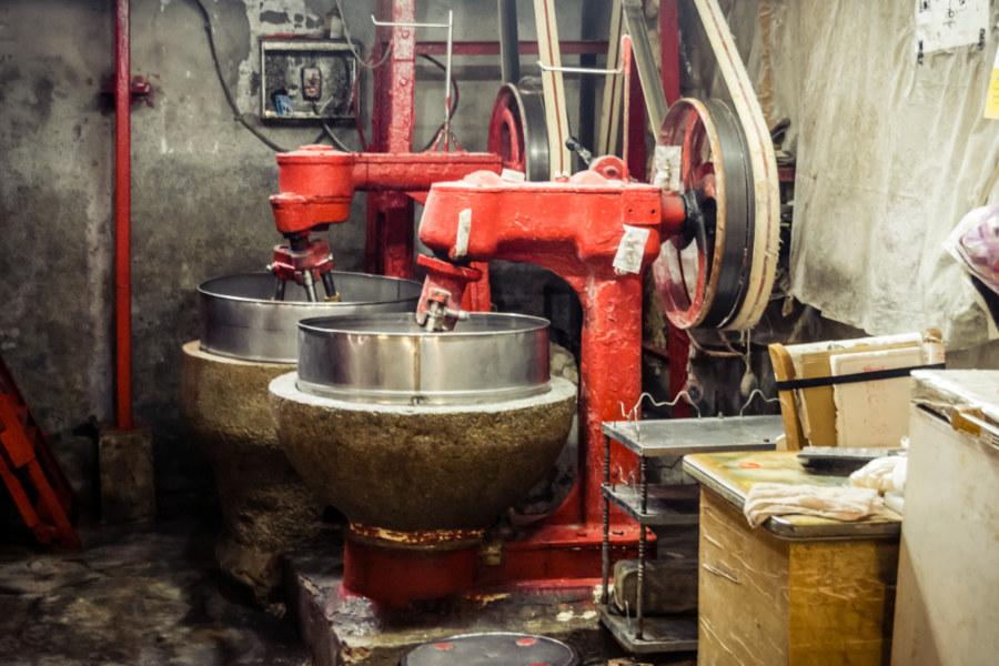 Belt-driven mixers in Ximen Market, Tainan