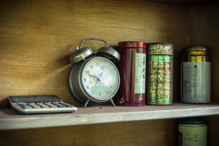An old Snoopy alarm clock in Spring grass gardens 春草園