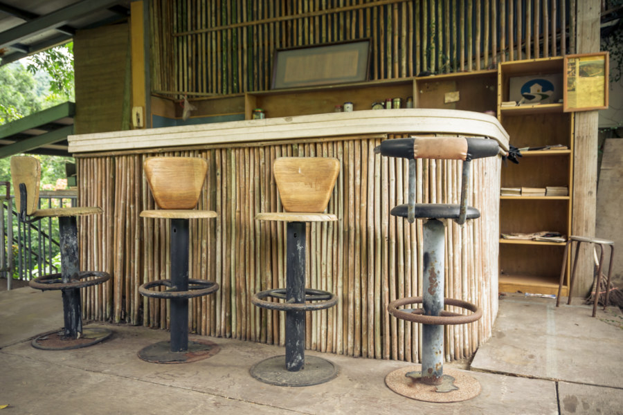 The outdoor bar at Spring grass gardens 春草園