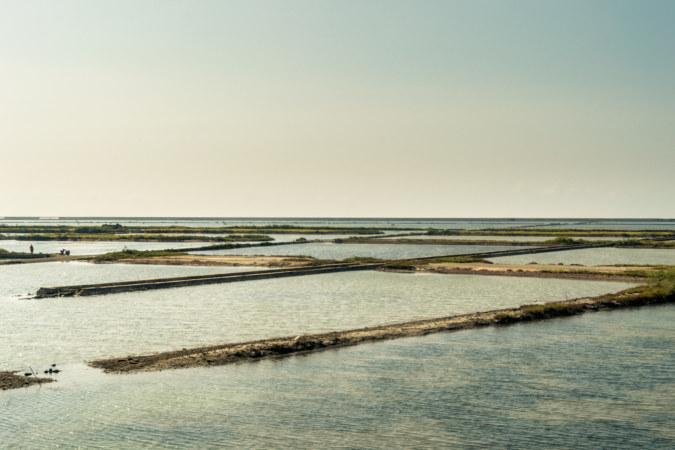Qingkunshen fan-shaped salt field at dusk