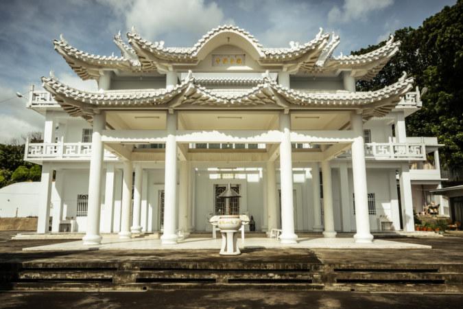 Putuoshan White Temple main hall