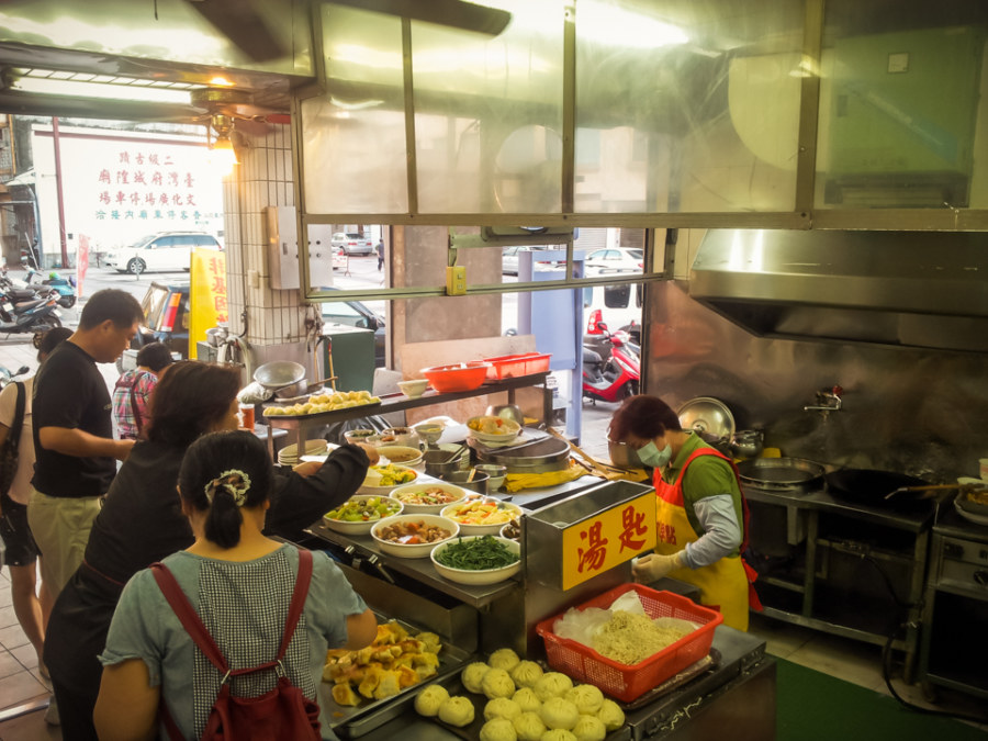 A vegetarian restaurant next to a temple on Qingnian road