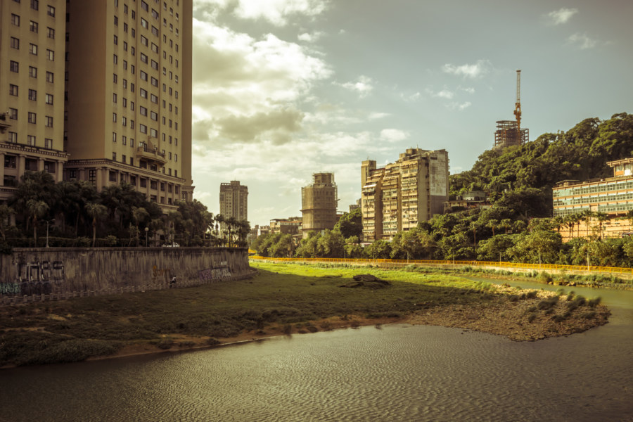 A bend in Jingmei River