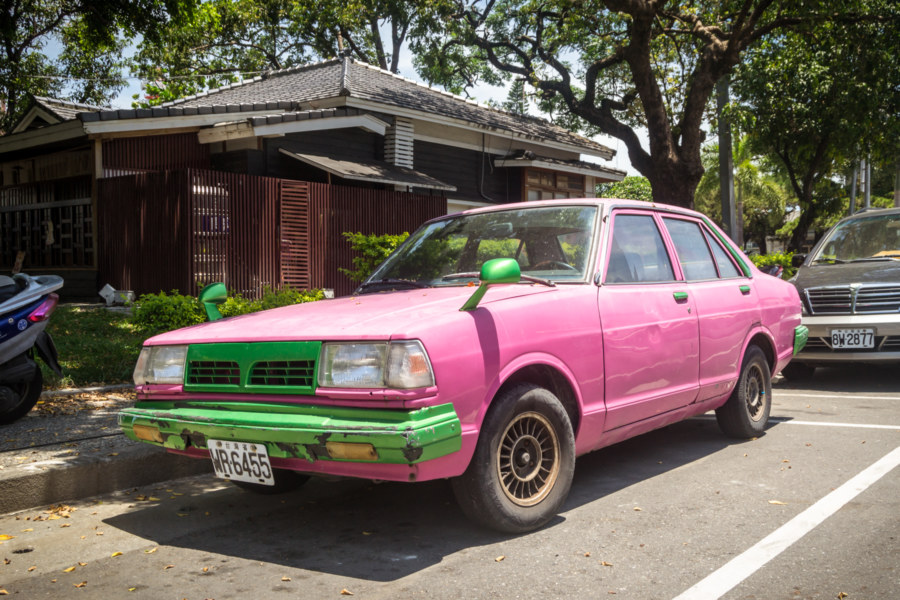A pink car on the streets of Taitung City