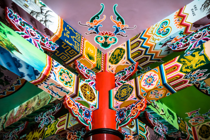 Ceiling detail at Zhangxiang Temple 長祥宮