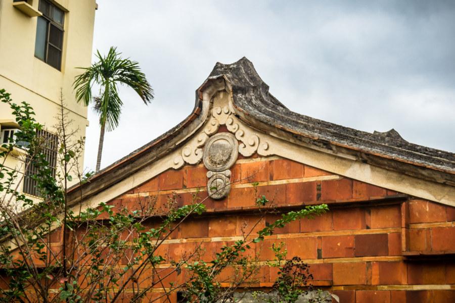 Ornate roofting detail in Xinwu
