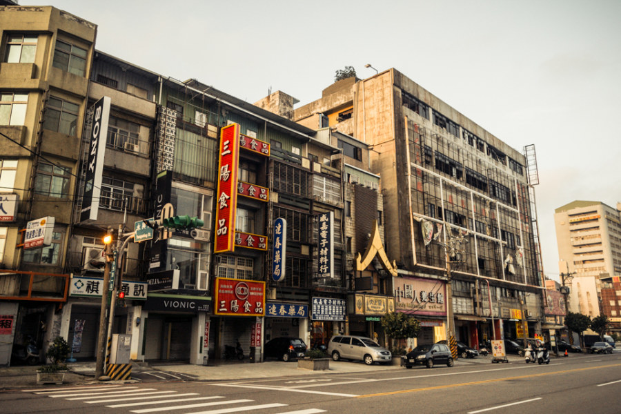 Looking for old theaters in Zhongli