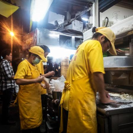 Fresh tangbao at Zhongyuan Night Market