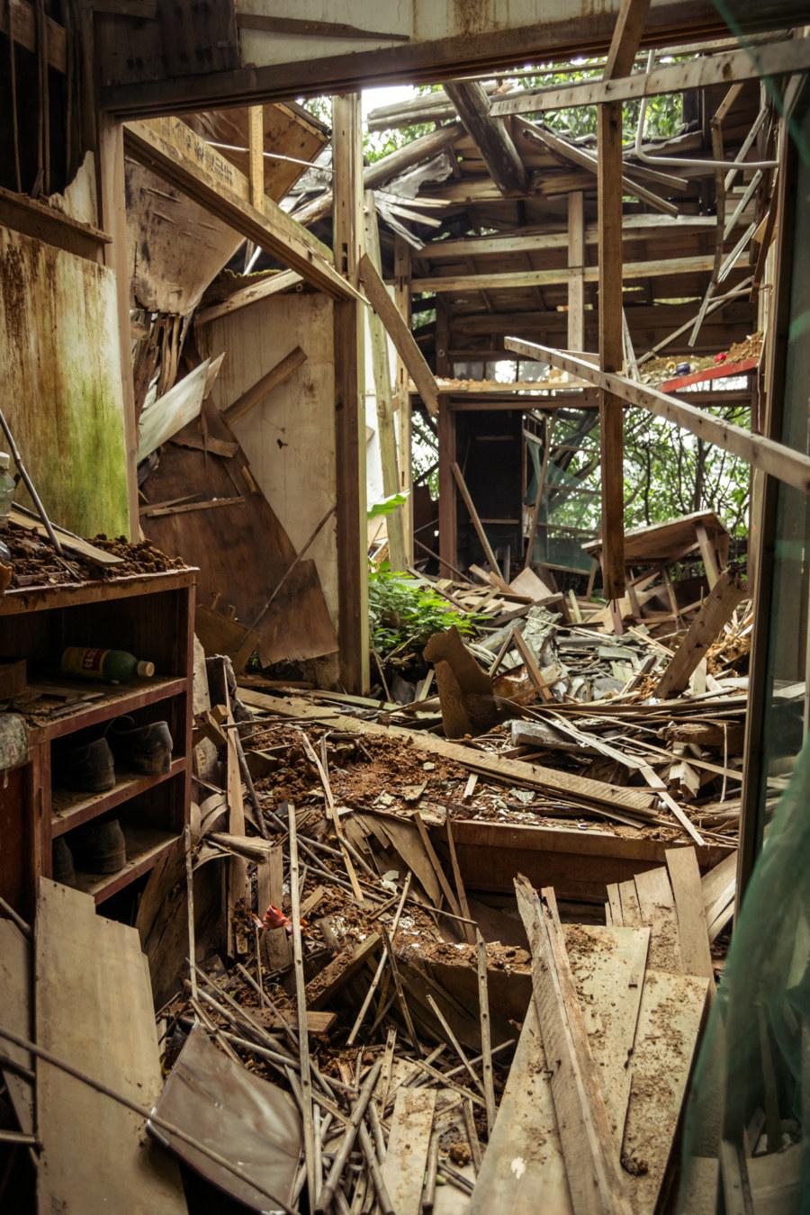 The ruins of an abandoned home in Jinguashi