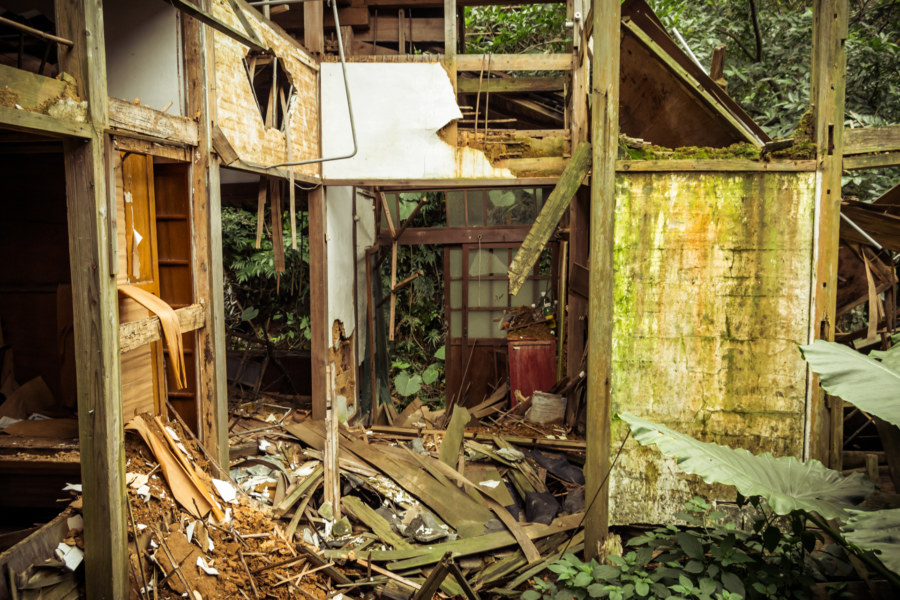 A ruined home in Jinguashi, Taiwan