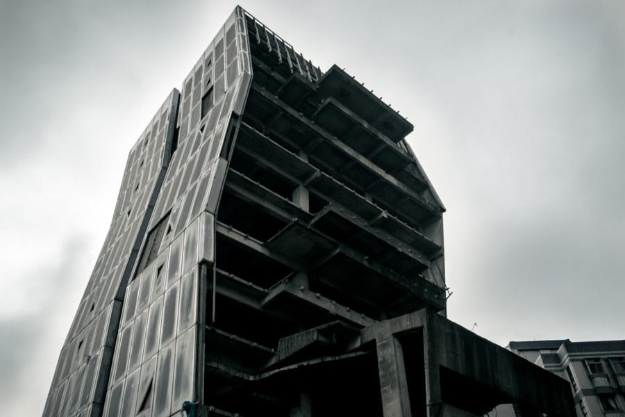An unfinished skyscraper in Linkou