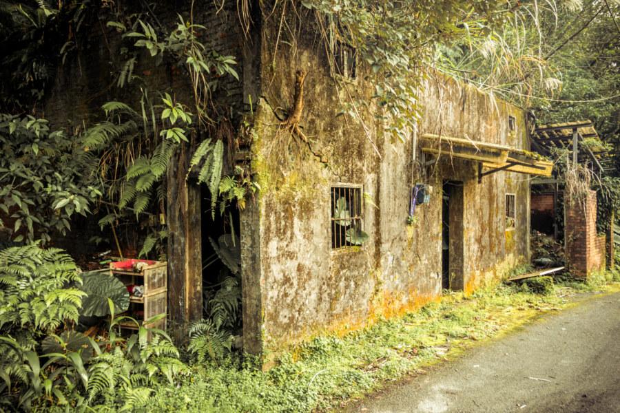 Abandoned in Jingtong