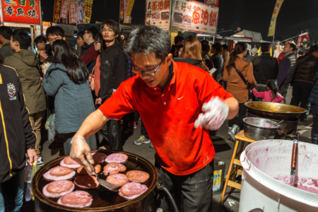Purple yam pancakes at Douliu Renwen Park Night Market